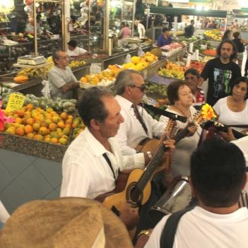 ações artisticas em mercados